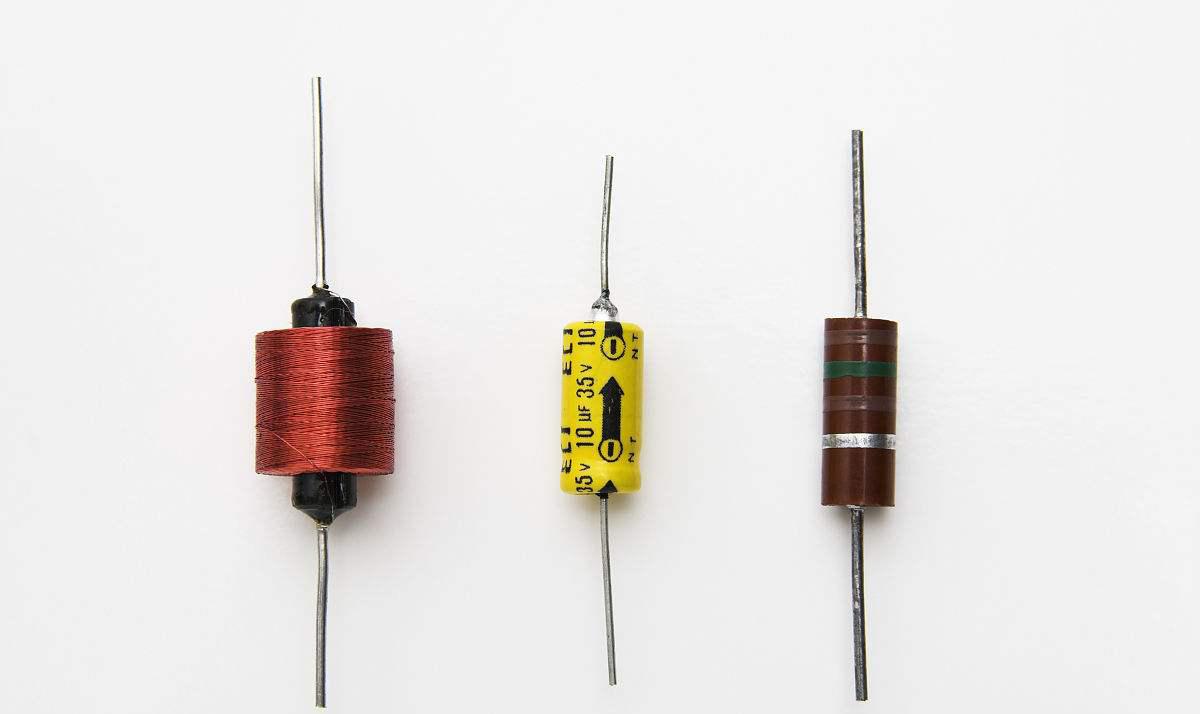 电容、电阻、电感